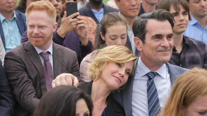 modern family commencement abc
