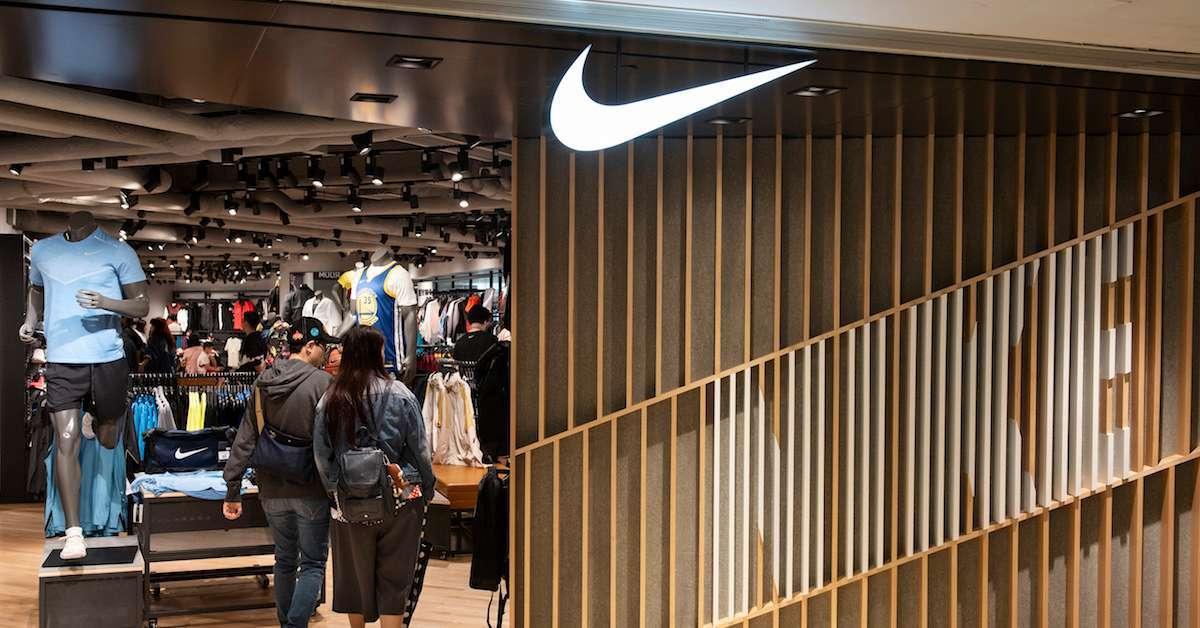Nike sneaker kids