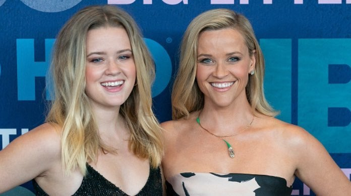 Reese Witherspoon and daughter-2