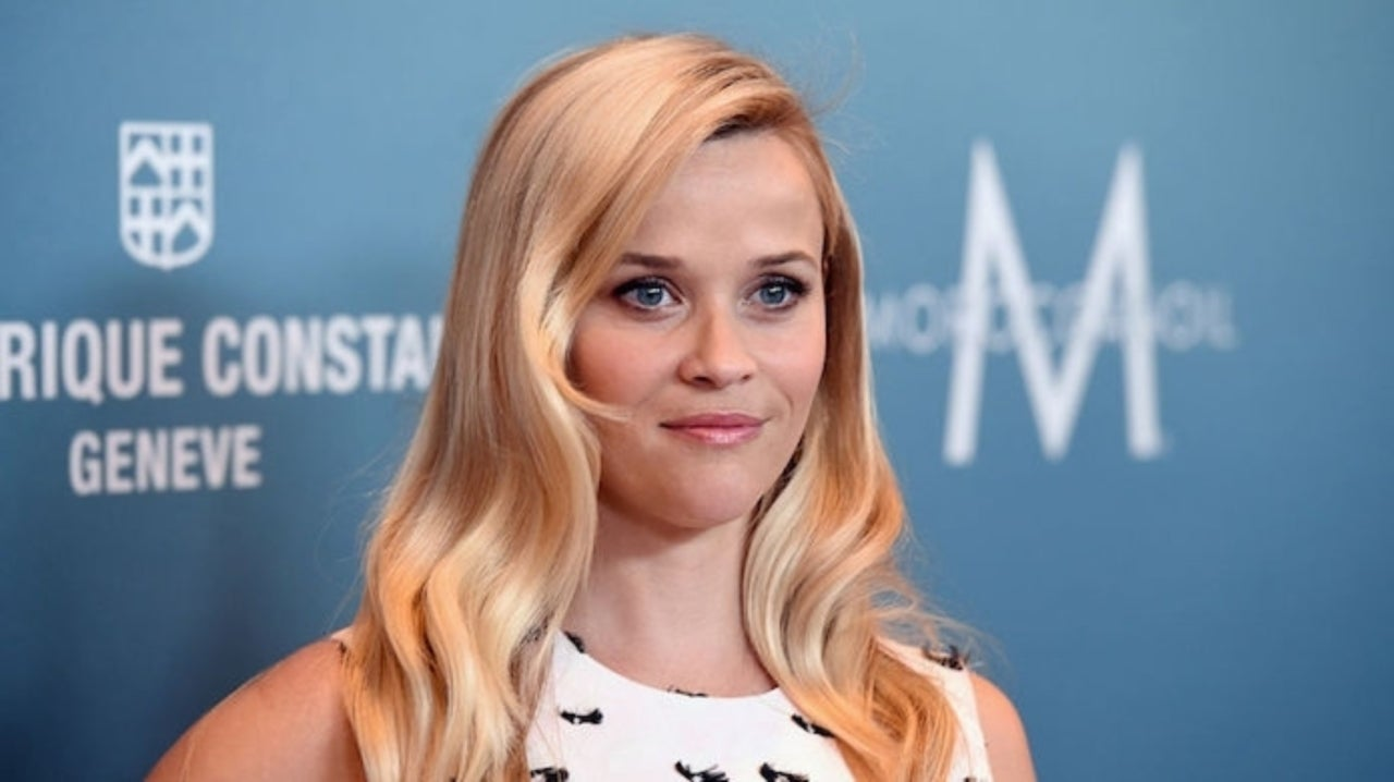 Reese Witherspoon Chops Off Her Hair Rocks New Bob