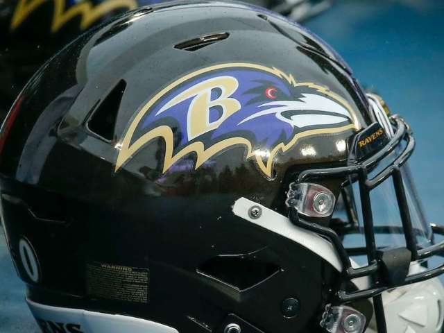 Jaguars and Ravens Have Prayer and Moment of Silence for Victims of Mass Shootings