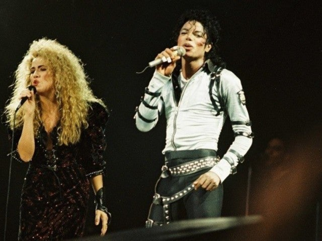 Sheryl Crow Revealing She Saw 'Strange Things' as Michael Jackson's Backing Singer Has Twitter on Fire