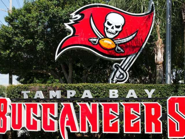 Special Olympics Athlete Scores Touchdown at Tampa Bay Buccaneers Practice