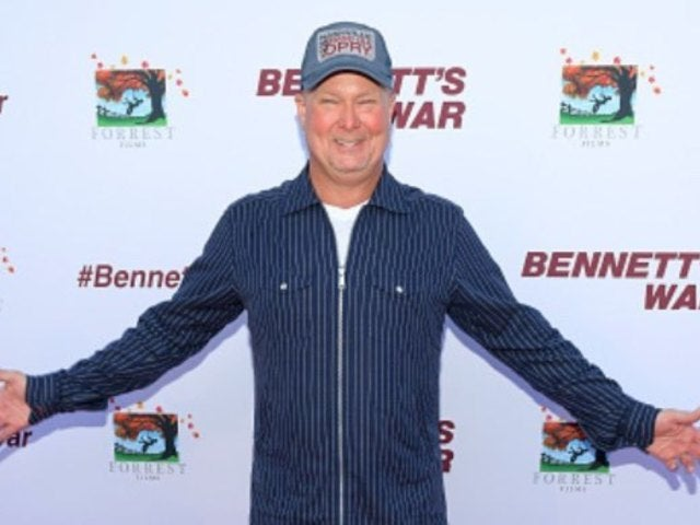 Country Star Tracy Lawrence Shows 'Love' at 'Bennett's War' Movie Premiere (Exclusive)