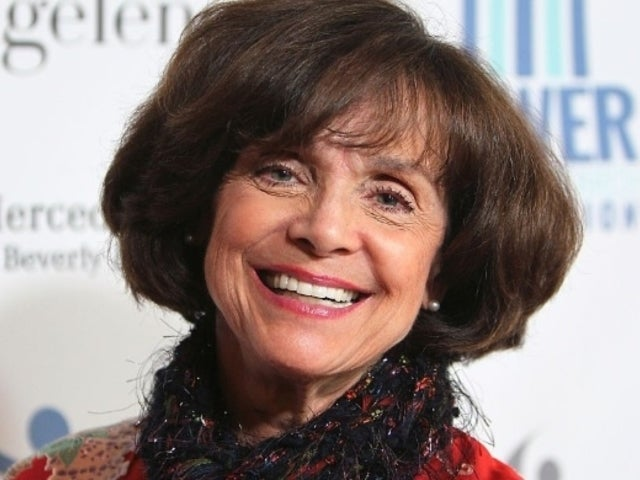 'Mary Tyler Moore' Fans Celebrate and Honor Valerie Harper Following Her Death at 80