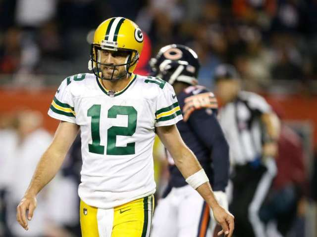 Aaron Rodgers Wants Packers Fans to Stop Doing the Wave When He Has the Ball