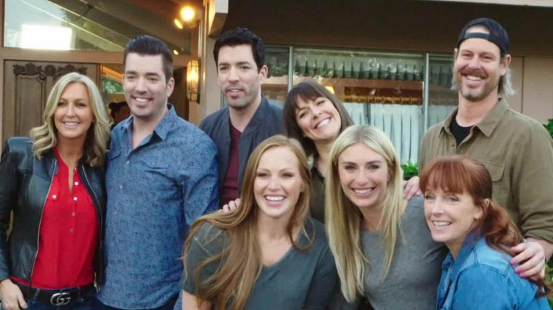 brady-bunch-renovation-hgtv-stars-jasmine-roth-property-brothers-good-bones