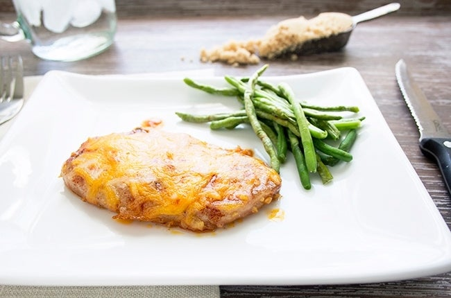 Cheesy-Garlic-Brown-Sugar-Pork-Chops_RESIZED4