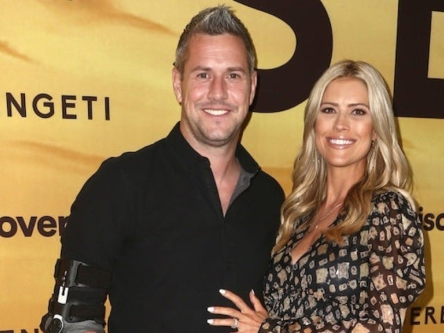 'Flip or Flop' Star Christina Anstead Welcomes 2020 With Husband Ant and Their Blended Family in 'Love' Photo