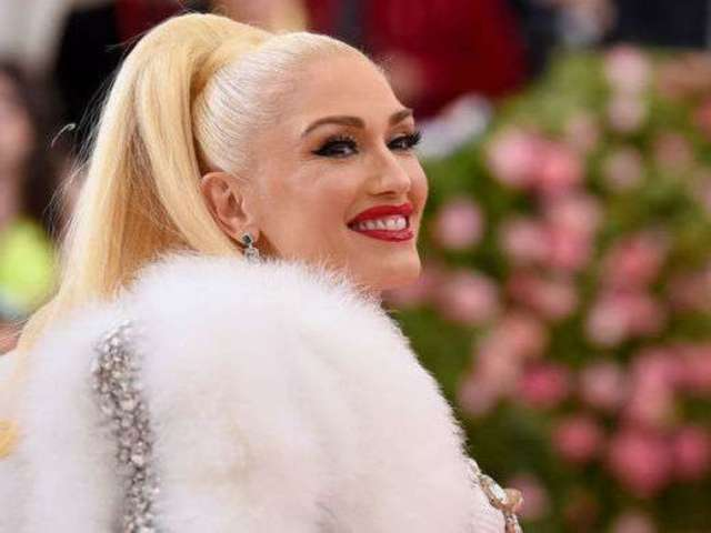 Gwen Stefani Hyped up 'Just a Girl' Las Vegas Residency's Dancers Just Ahead of Show Cancellation