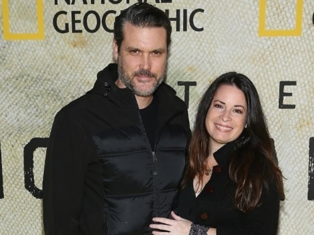 'Charmed' Star Holly Marie Combs Marries Longtime Boyfriend Mike Ryan