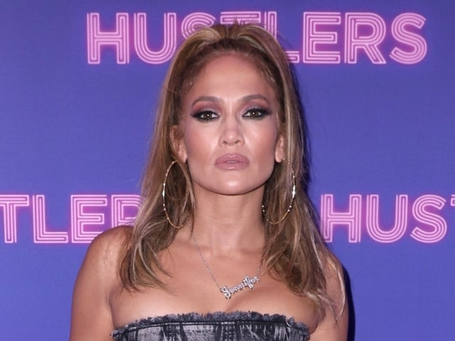 Jennifer Lopez Fuels Super Bowl Halftime Show Rumors: 'It Would Be Amazing'