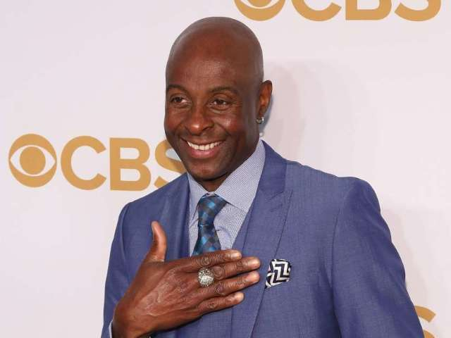Jerry Rice Posts Photo Message for 'The Haters'