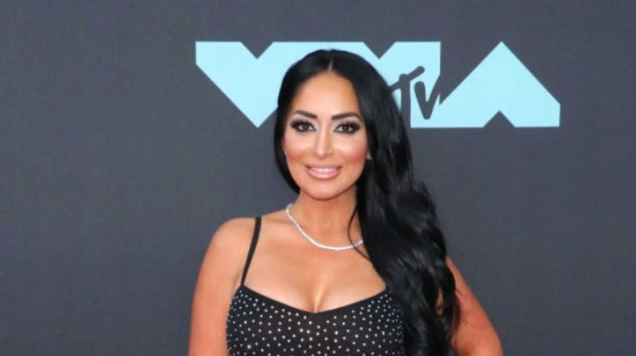 Angelina Pivarnick Shares Ad on Instagram, But Gets Immediate ...