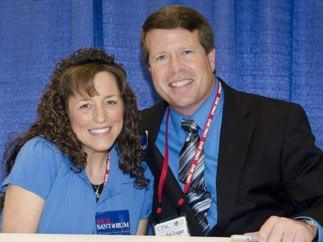 'Counting On': Duggar Family Lines up to Praise 'Amazing Woman' Michelle for Birthday