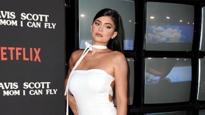 Kylie Jenner 3-2