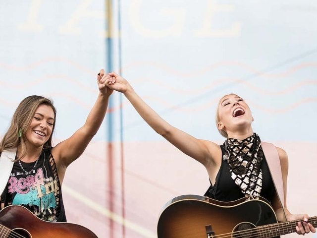 Maddie & Tae to Headline Tourist In This Town Tour With Avenue Beat