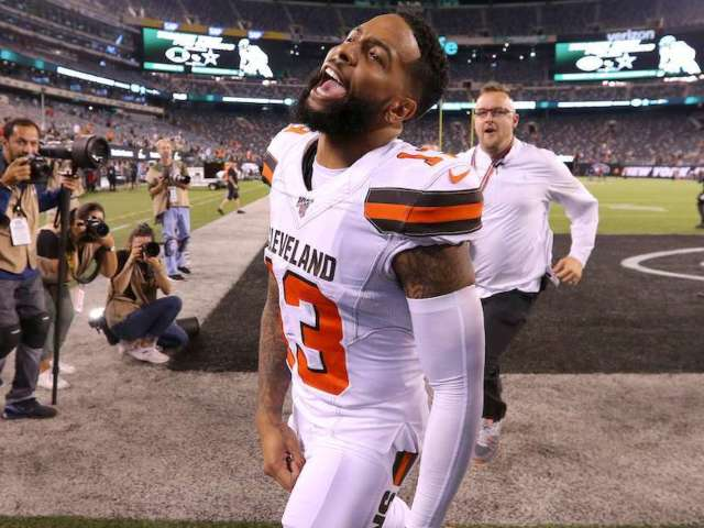 Cleveland Browns Recreate 'Friends' Intro After Victory
