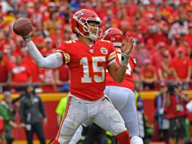 Kansas City Chiefs QB Patrick Mahomes Likely to Sign $200 Million Contract Extension Next Year