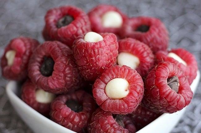 raspberries-chocolate-chips-645-53866