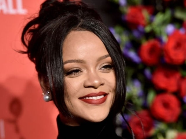 Rihanna Kicks off Black Friday With Sultry Photo on Social Media