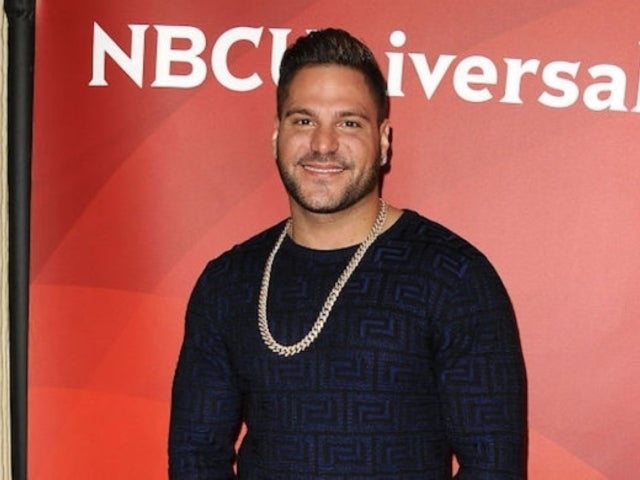 'Jersey Shore' Star Ronnie Ortiz-Magro Single Despite Being Photographed With Multiple Women
