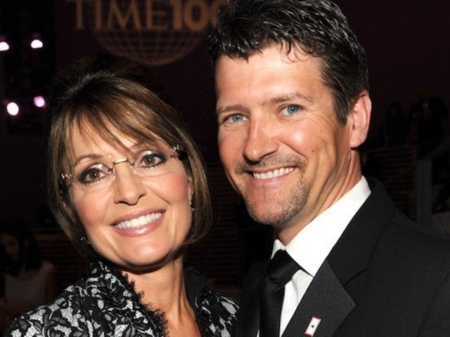 Sarah Palin's Husband Todd Files for Divorce