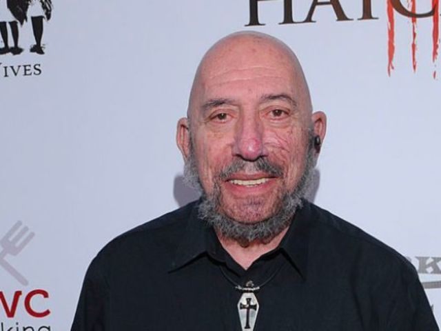 Dean McDermott Pays Tribute to 'Devil's Rejects' Star Sid Haig