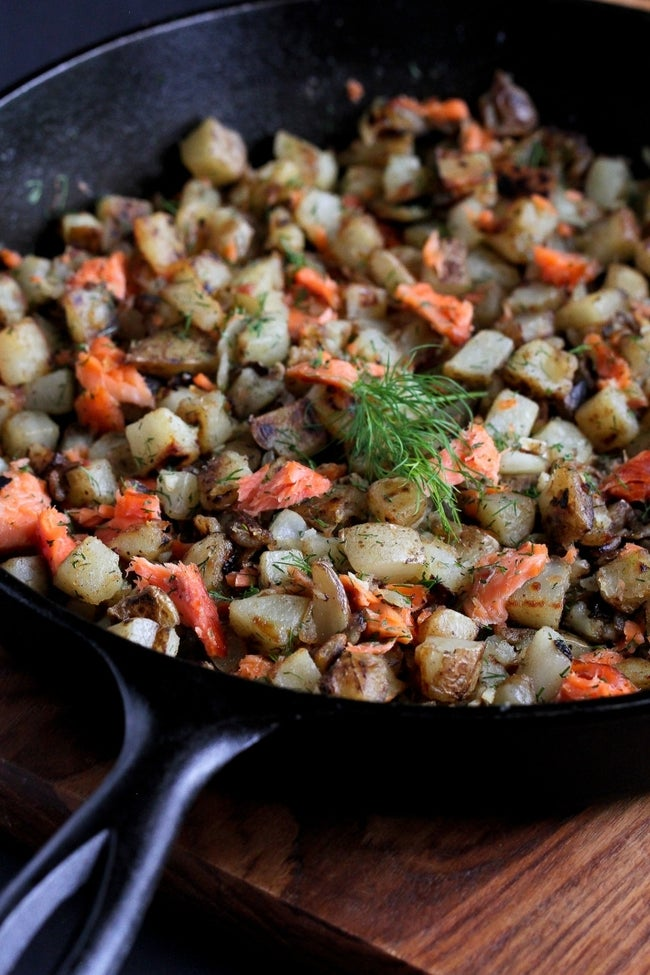 smoked-salmon-dill-breakfast-hash-06