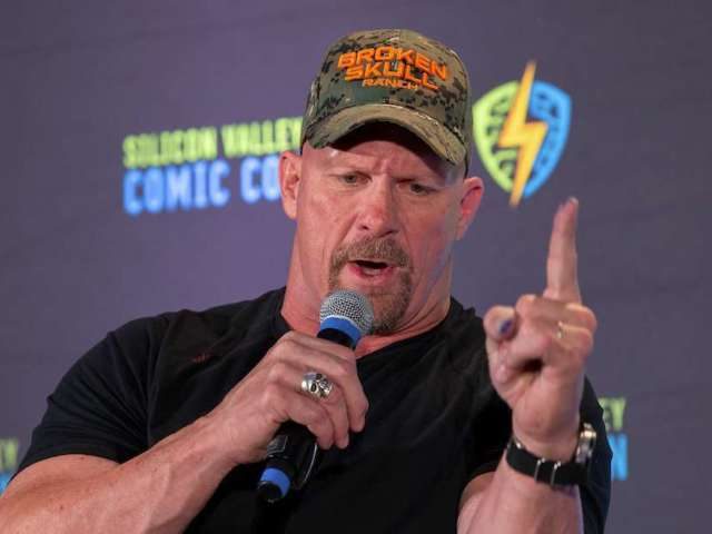 Stone Cold Steve Austin Has Critical Advice for Football Players