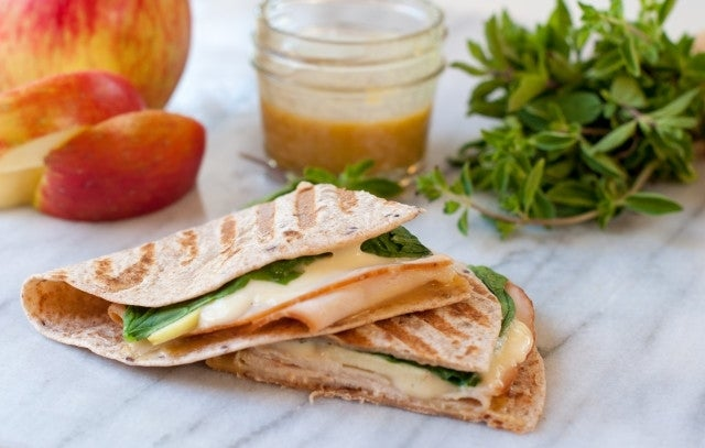 turkey-wrap-with-apples-and-brie-640x407