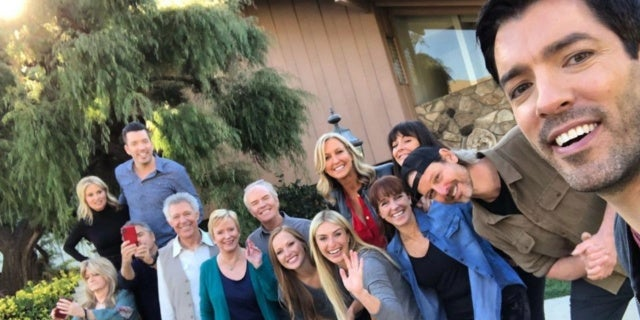 very-brady-renovation-header-hgtv-brady-bunch-kids