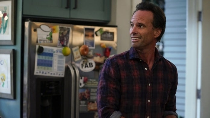walton goggins the unicorn cbs