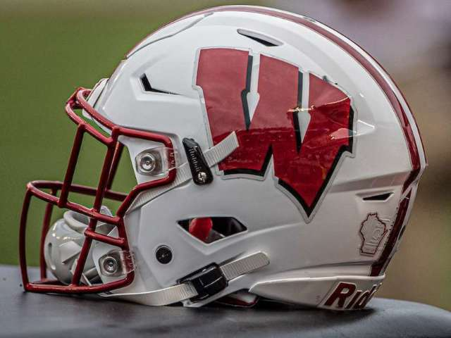 Wisconsin Safety Reggie Pearson Ejected From Game After Brutal Hit That's Now Sparked Outrage Online