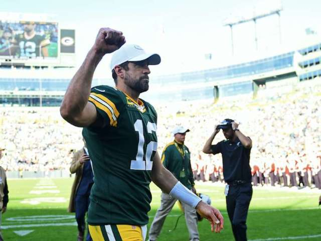 Packers QB Aaron Rodgers Joins Legendary Company With 350th Touchdown