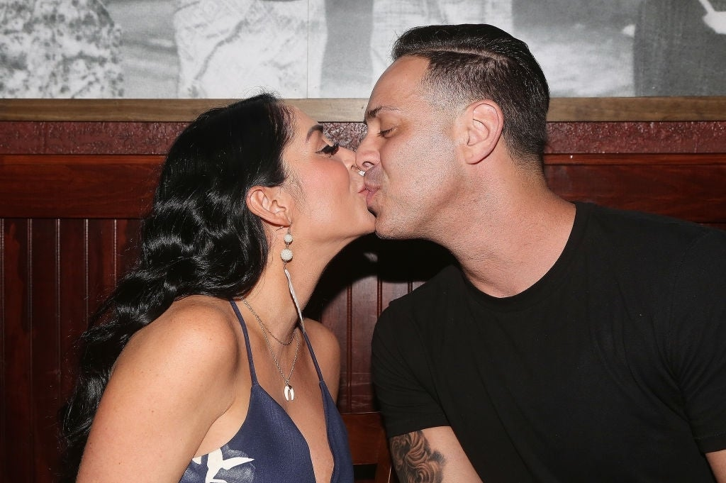 Angelina Pivarnick Chris kissing