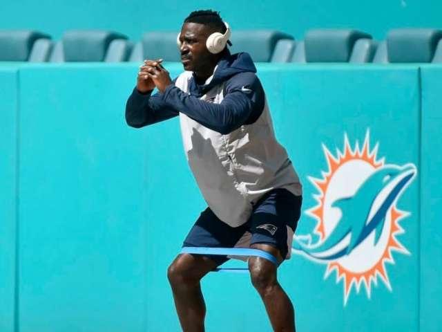 Watch Antonio Brown Train for NFL Comeback