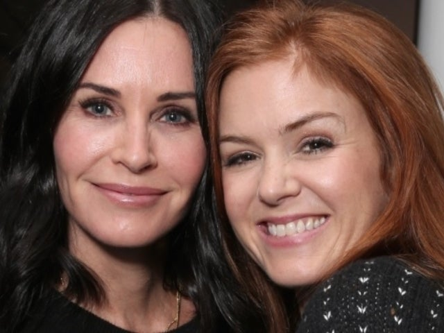 Courteney Cox Leaves Fans With Questions After 'Male' Bathroom Video With Isla Fisher