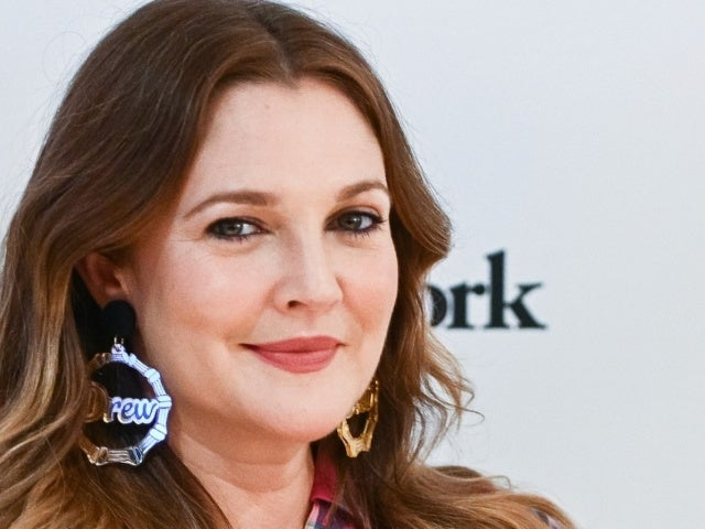 Drew Barrymore Says She Was Stood up on a Celebrity Dating App