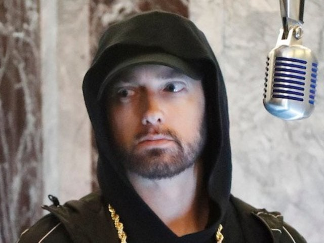 Eminem Allegedly Sides With Chris Brown Over 2009 Rihanna Assault