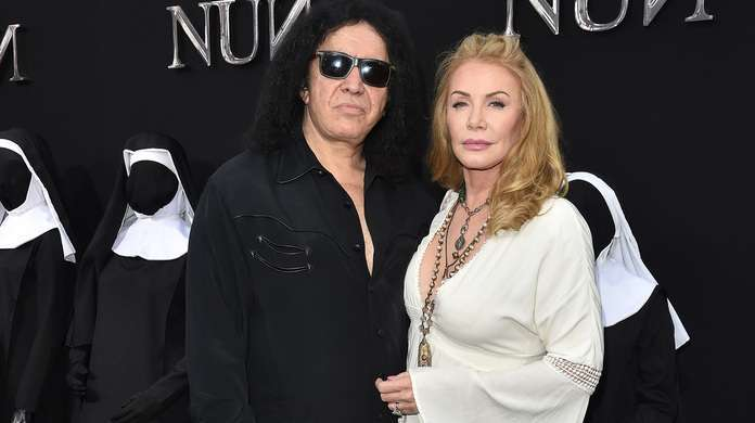 Gene-Simmons-Wife
