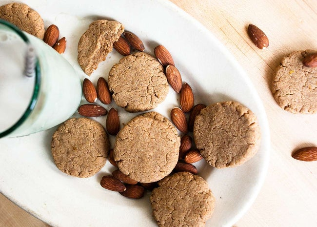 Gluten-Free-Lemon-Almond-Butter-Cookies-7