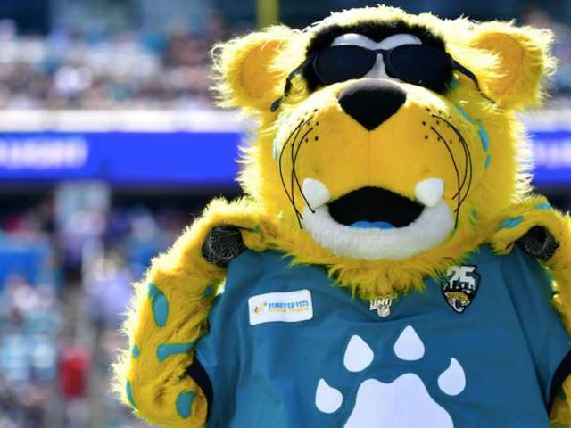 Jaguars Mascot Trolls Jets QB Sam Darnold With Ghost Outfit