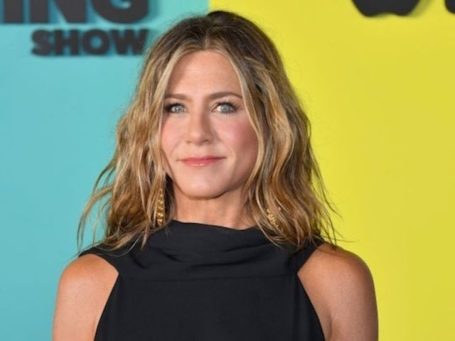 Jennifer Aniston Puts Her Baby Blues on Full Display in First Makeup Free Selfie