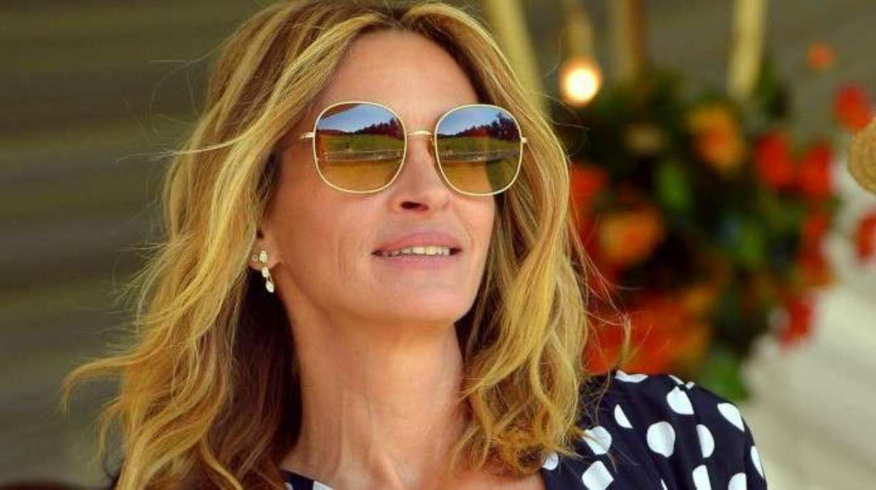 Julia Roberts Pleases Pretty Woman Fans With Her Throwback