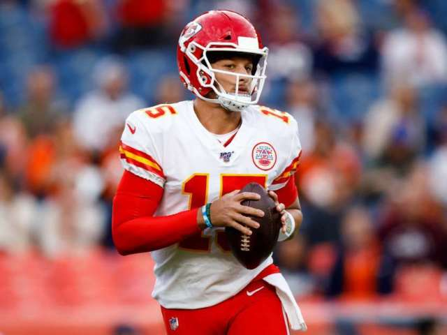 Kansas City Chiefs QB Patrick Mahomes Ruled out for Sunday's Game Against Green Bay Packers