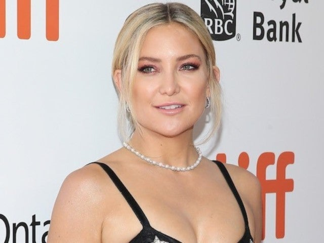 Kate Hudson Looks Flawless in New Skinny Jean Modeling Shoot Photos