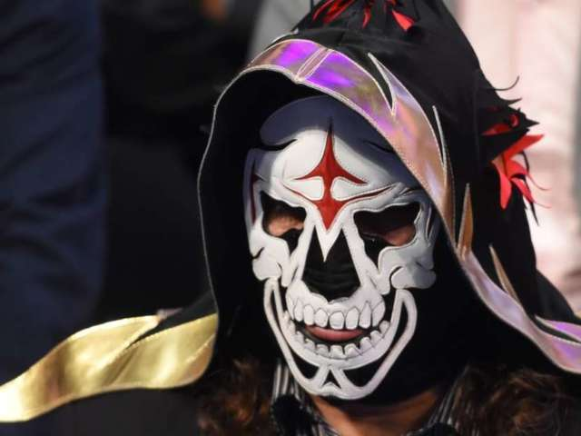 La Parka Hospitalized After Scary Injury During Match
