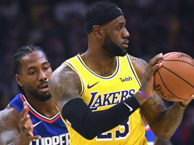 LeBron James Draws Attention for Season-Opening 'Flop'