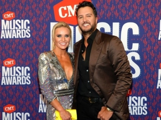 Luke Bryan's Wife Caroline Reveals Hilarious Outtake From Family's 'Crazy Clan' Thanksgiving Photo